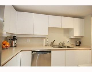 Photo 3: 1102 2203 BELLEVUE Ave in West Vancouver: Home for sale : MLS®# V794980