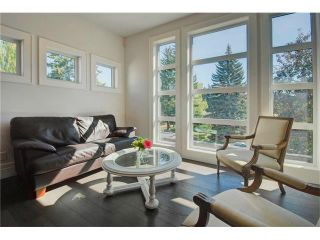 Photo 16: 6427 LAURENTIAN Way SW in Calgary: North Glenmore Park House for sale : MLS®# C4077730