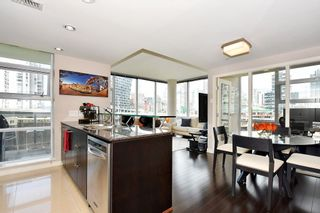 "Photo 11: 1005 638 BEACH Crescent in Vancouver: Yaletown Condo for sale in ""ICON"" (Vancouver West)  : MLS®# R2357913"