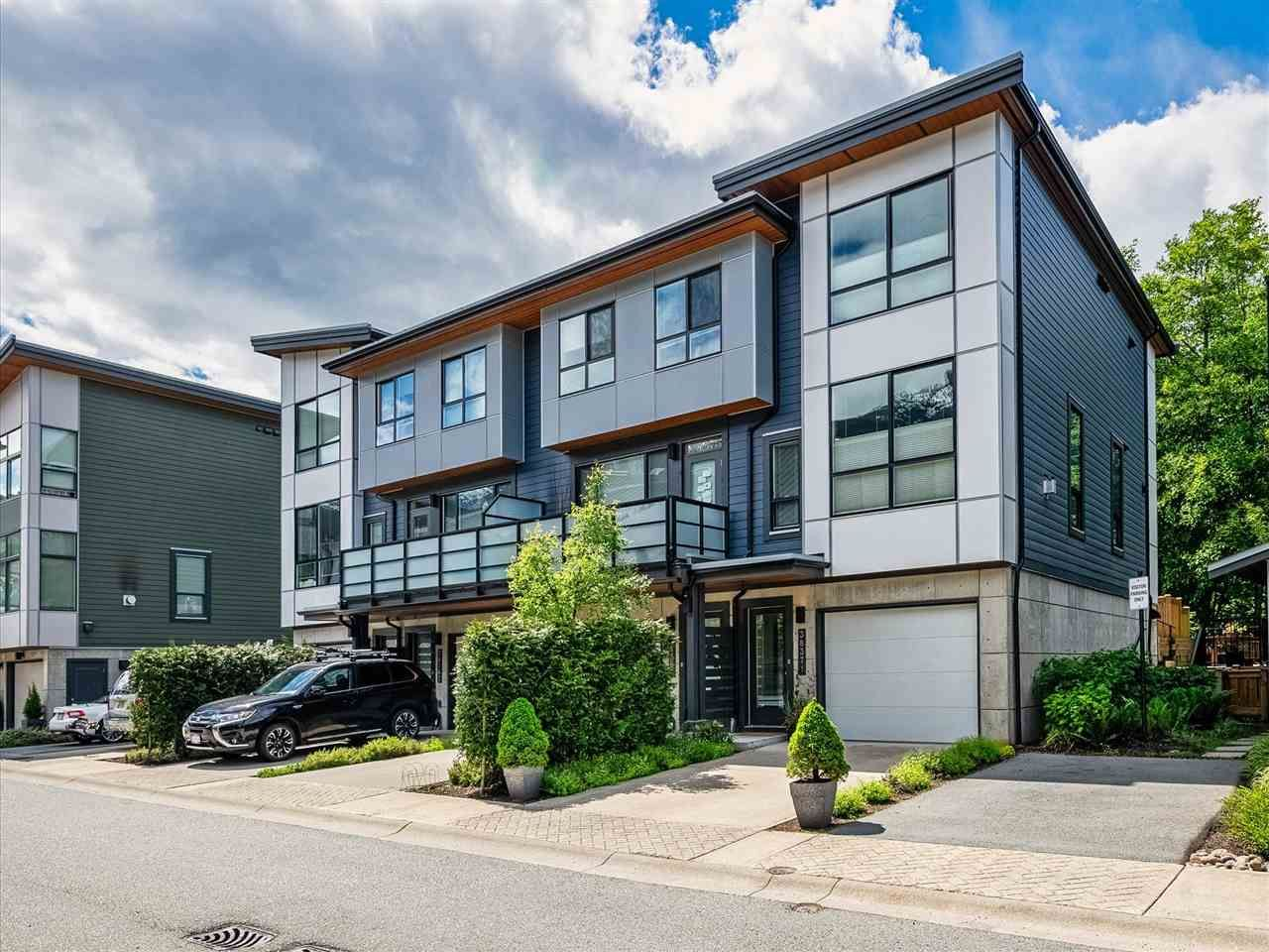 """Main Photo: 38371 SUMMITS VIEW Drive in Squamish: Downtown SQ Townhouse for sale in """"THE FALLS AT EAGLEWIND"""" : MLS®# R2587853"""