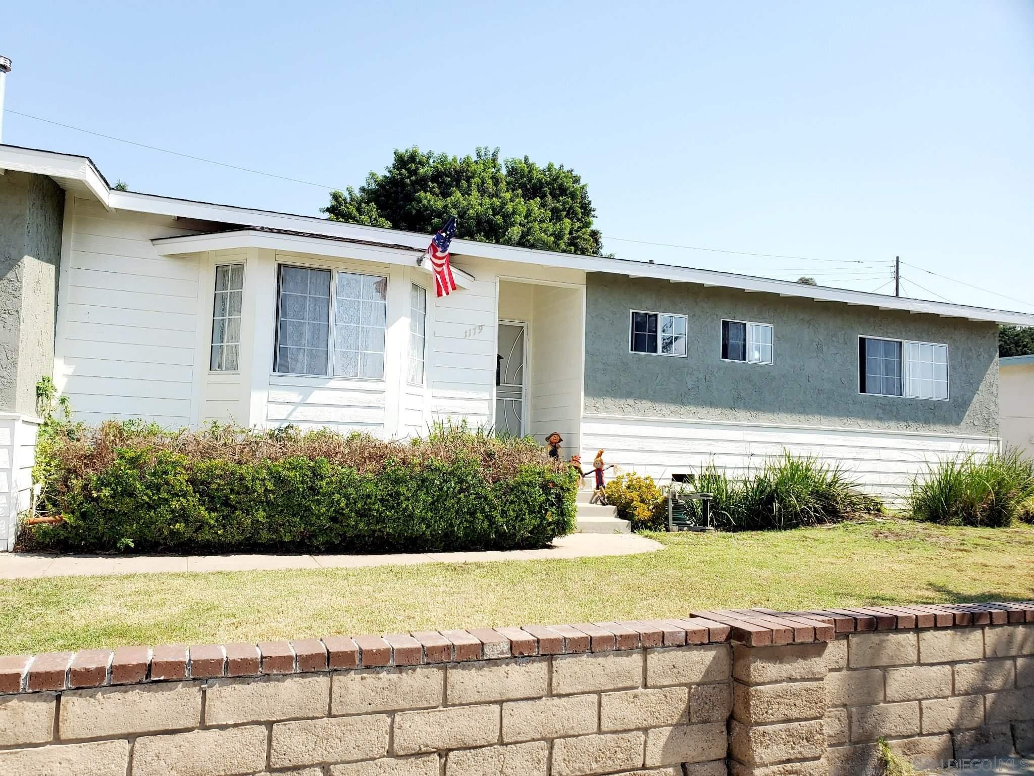 Main Photo: CHULA VISTA House for sale : 4 bedrooms : 1179 Agua Tibia Ave