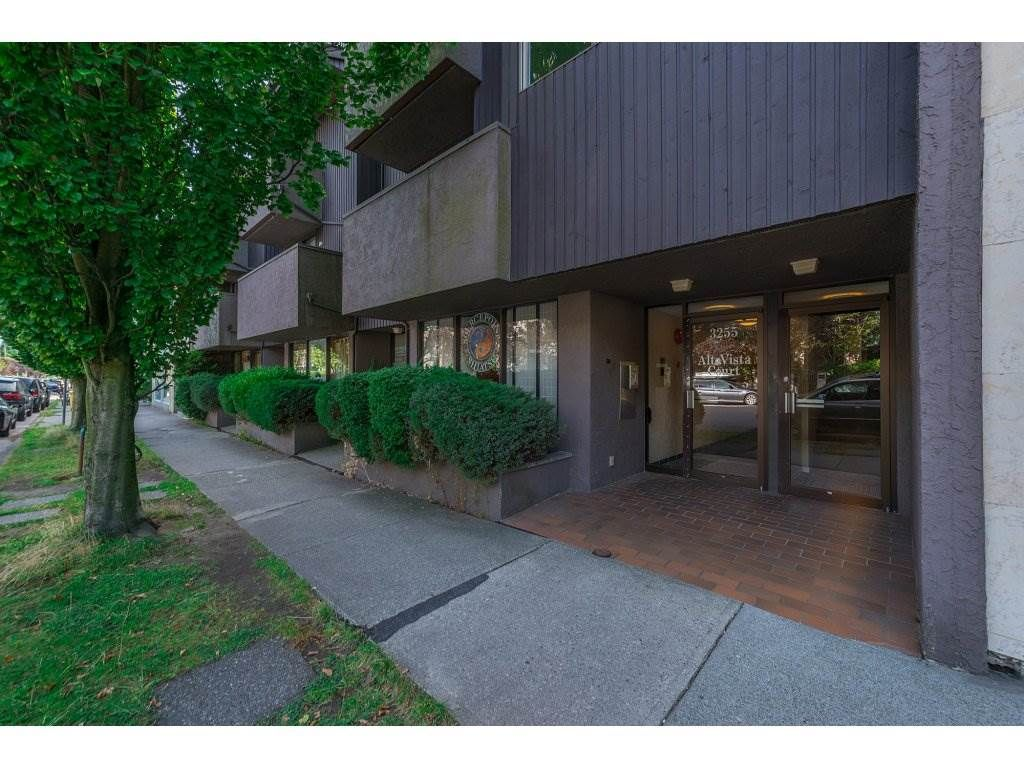"""Main Photo: 203 3255 HEATHER Street in Vancouver: Cambie Condo for sale in """"Alta Vista Court"""" (Vancouver West)  : MLS®# R2197183"""