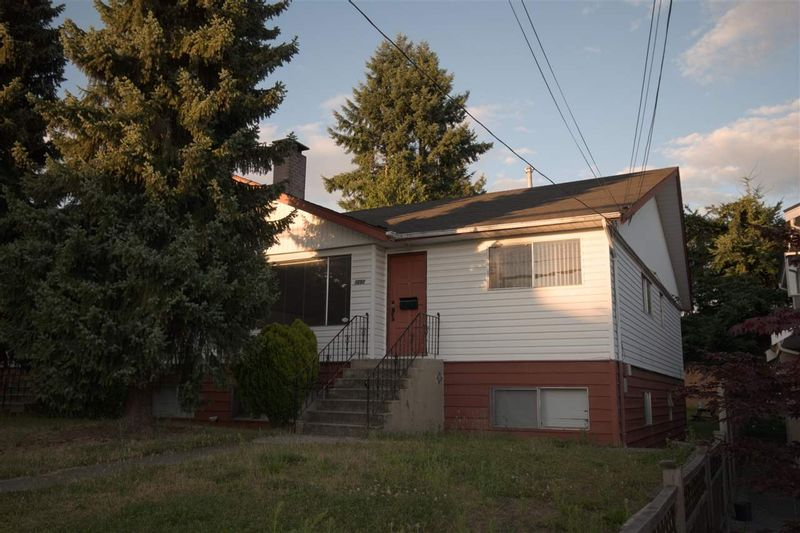 FEATURED LISTING: 7050 - 7052 SUSSEX Avenue Burnaby