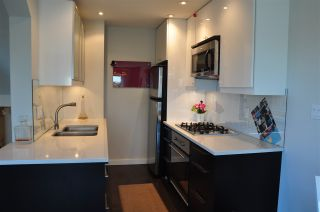 Photo 3: 2516 W 4TH Avenue in Vancouver: Kitsilano Townhouse for sale (Vancouver West)  : MLS®# R2025380