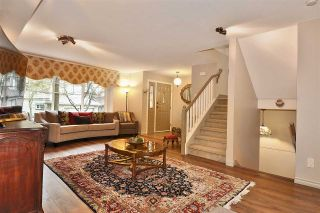 "Photo 3: 17 3300 PLATEAU Boulevard in Coquitlam: Westwood Plateau Townhouse for sale in ""Boulevard Green"" : MLS®# R2440695"