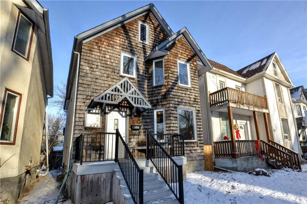 Main Photo: 621 Mulvey Avenue in Winnipeg: Crescentwood Residential for sale (1B)  : MLS®# 202000366