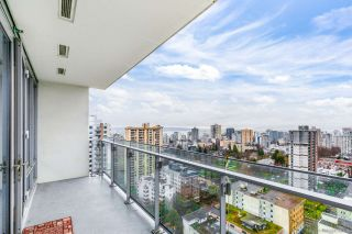 "Photo 15: 2405 1028 BARCLAY Street in Vancouver: West End VW Condo for sale in ""PATINA"" (Vancouver West)  : MLS®# R2555762"