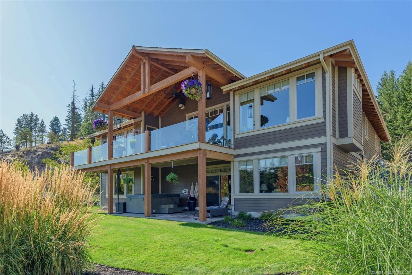 Main Photo: 702 Brassey Crescent, in Vernon: House for sale : MLS®# 10191268