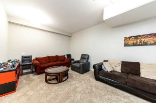 """Photo 3: 1 11 E ROYAL Avenue in New Westminster: Fraserview NW Townhouse for sale in """"Victoria Hill"""" : MLS®# R2496427"""