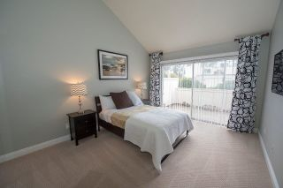 Photo 11: SCRIPPS RANCH Townhouse for sale : 2 bedrooms : 9934 Caminito Chirimolla in San Diego