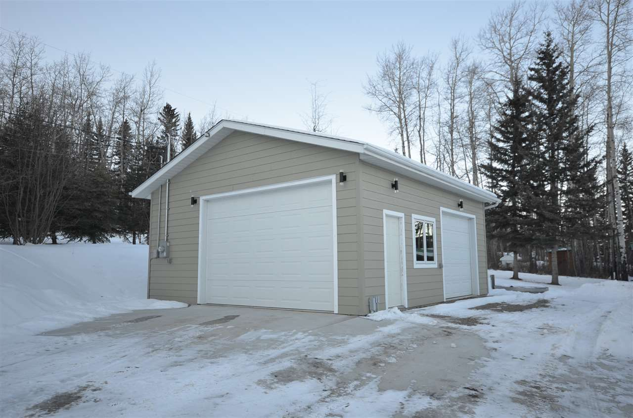 "Photo 24: Photos: 13785 GOLF COURSE Road: Charlie Lake House for sale in ""GOLF COURSE ROAD"" (Fort St. John (Zone 60))  : MLS®# R2530342"