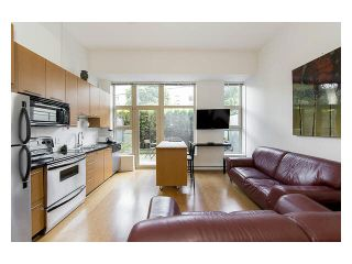 """Photo 5: 105 205 E 10TH Avenue in Vancouver: Mount Pleasant VE Condo for sale in """"The Hub"""" (Vancouver East)  : MLS®# V1082695"""