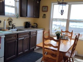 Photo 8: 10 Beatrice Street in Louisbourg: 206-Louisbourg Residential for sale (Cape Breton)  : MLS®# 202113603