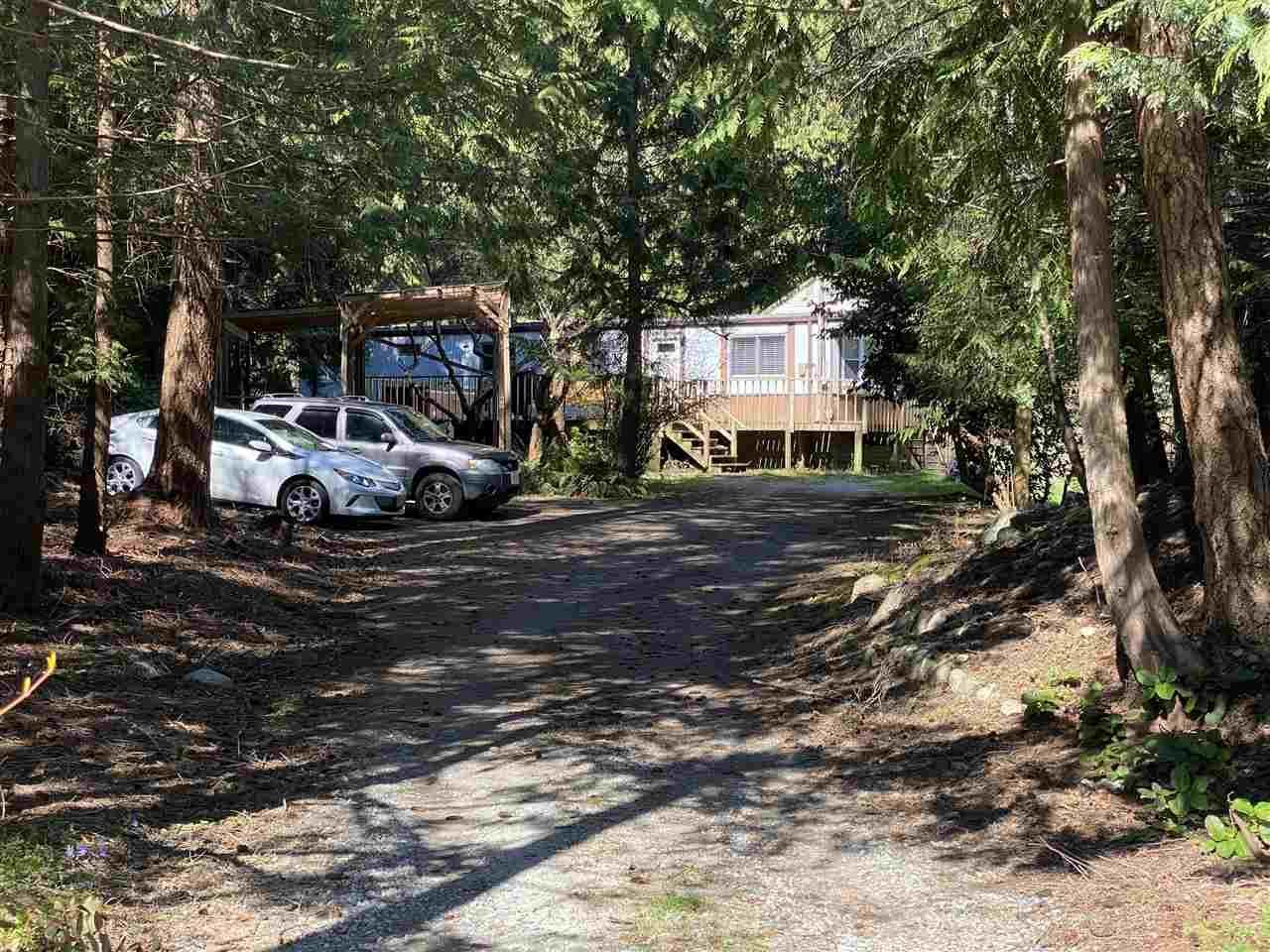 Main Photo: 8143 CEDARWOOD Road in Halfmoon Bay: Halfmn Bay Secret Cv Redroofs Manufactured Home for sale (Sunshine Coast)  : MLS®# R2560997
