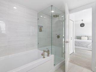 """Photo 12: 14 2825 159 Street in Surrey: Grandview Surrey Townhouse for sale in """"Greenway"""" (South Surrey White Rock)  : MLS®# R2488703"""