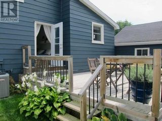 Photo 4: 201 BAY ST in Cobourg: House for sale : MLS®# X5357400