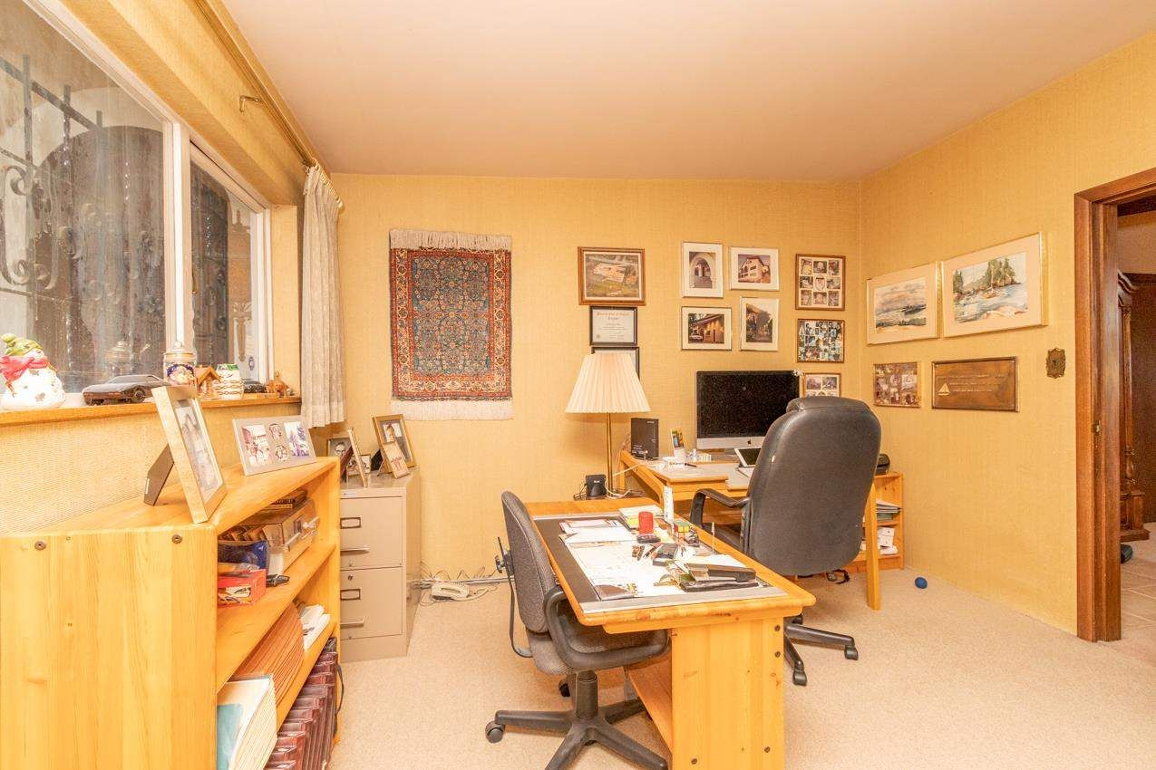 Photo 19: Photos: 385 MONTERAY Avenue in North Vancouver: Upper Delbrook House for sale : MLS®# R2582994