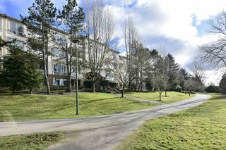 "Photo 33: 304 6740 STATION HILL Court in Burnaby: South Slope Condo for sale in ""Wyndham Court"" (Burnaby South)  : MLS®# R2539460"