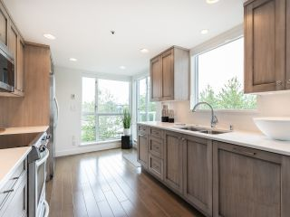 """Photo 12: 407 1551 MARINER Walk in Vancouver: False Creek Condo for sale in """"LAGOONS"""" (Vancouver West)  : MLS®# R2383720"""