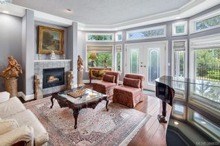 Photo 7: 986 Perez Dr in VICTORIA: SE Broadmead House for sale (Saanich East)  : MLS®# 791148