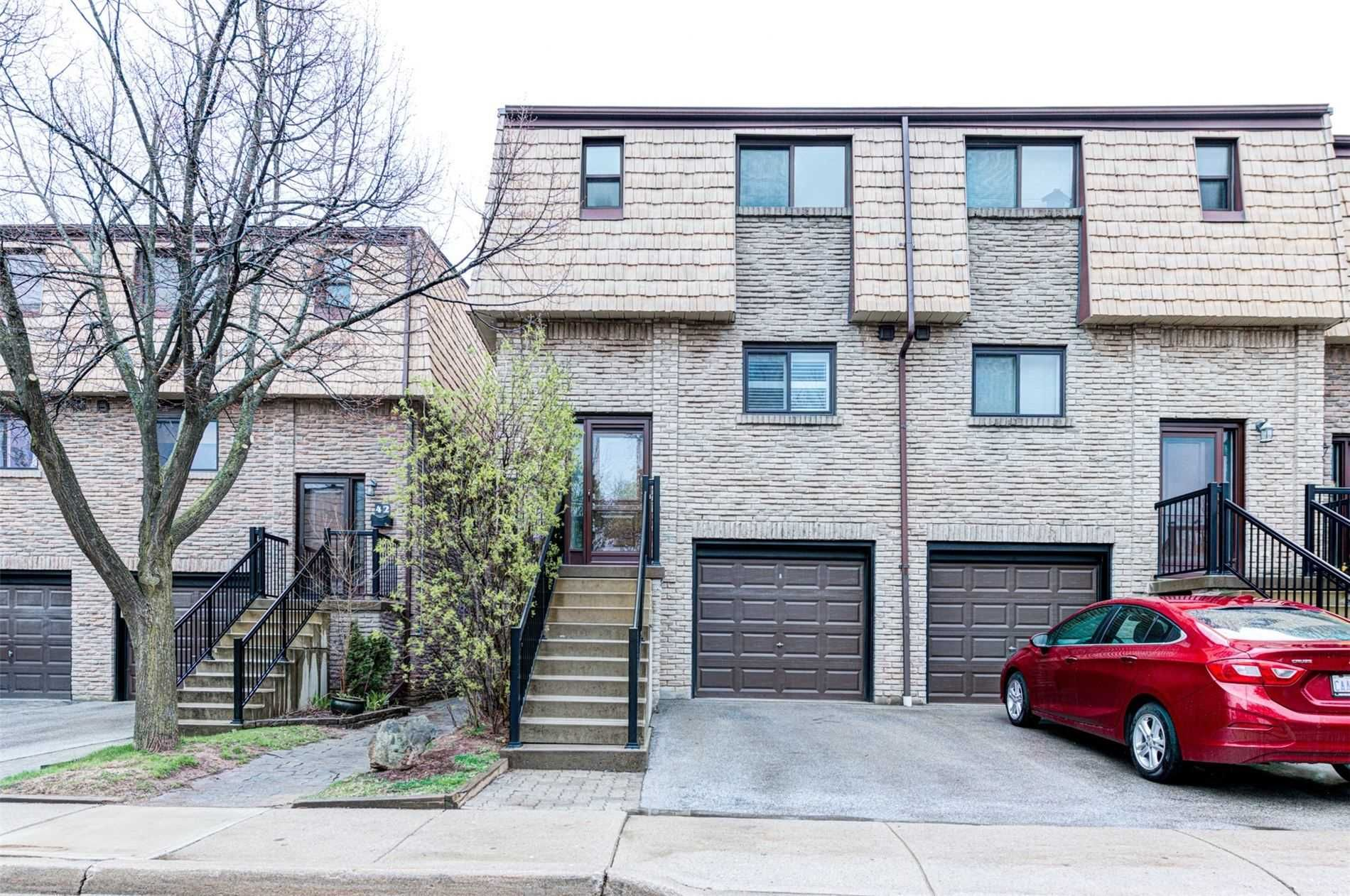 Main Photo: 43 1512 Sixth Line in Oakville: College Park Condo for sale : MLS®# W5213865