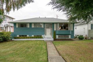 Photo 1: 145 HARVEY Street in New Westminster: The Heights NW House for sale : MLS®# R2218667