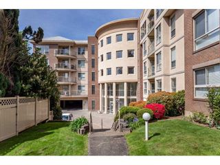 "Photo 4: 410 33731 MARSHALL Road in Abbotsford: Central Abbotsford Condo for sale in ""STEPHANIE PLACE"" : MLS®# R2573833"