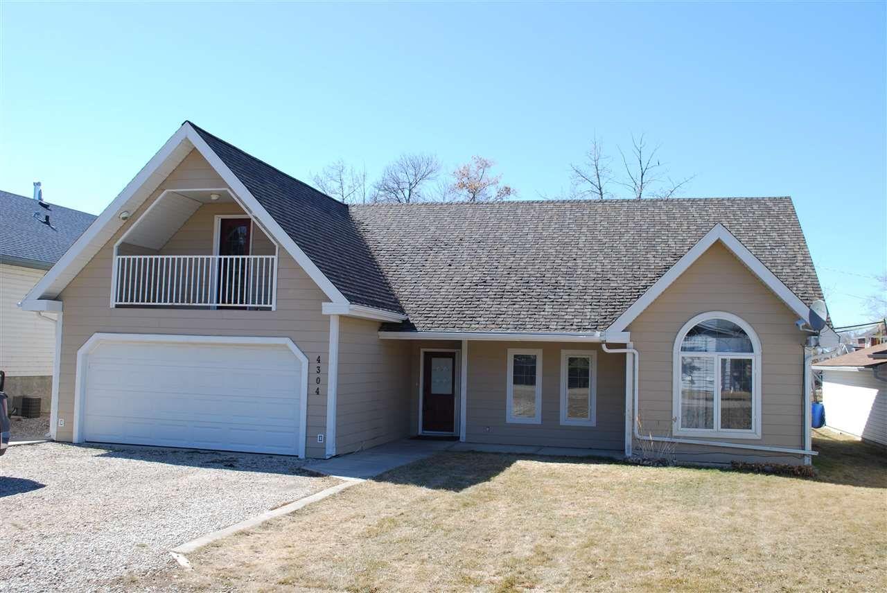 Main Photo: 4304 45 Avenue: Rural Lac Ste. Anne County House for sale : MLS®# E4238432