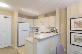"""Photo 4: 706 2799 YEW Street in Vancouver: Kitsilano Condo for sale in """"TAPESTRY AT ARBUTUS WALK"""" (Vancouver West)  : MLS®# R2255662"""