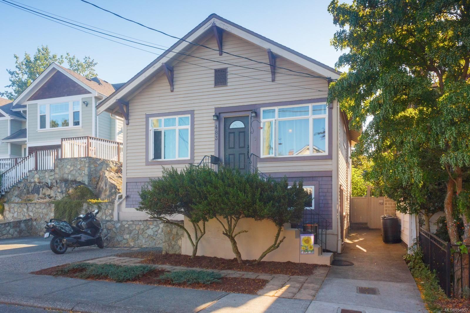 Main Photo: 483 Constance Ave in : Es Saxe Point House for sale (Esquimalt)  : MLS®# 854957