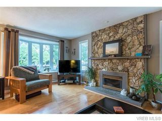 Photo 4: 1907 Cultra Ave in SAANICHTON: CS Saanichton House for sale (Central Saanich)  : MLS®# 744987