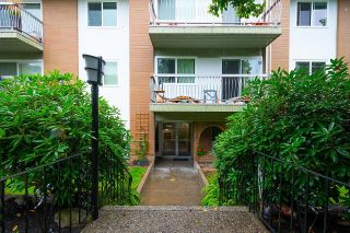 """Photo 3: 204 2335 YORK Avenue in Vancouver: Kitsilano Condo for sale in """"Yorkdale Ville"""" (Vancouver West)  : MLS®# R2619163"""
