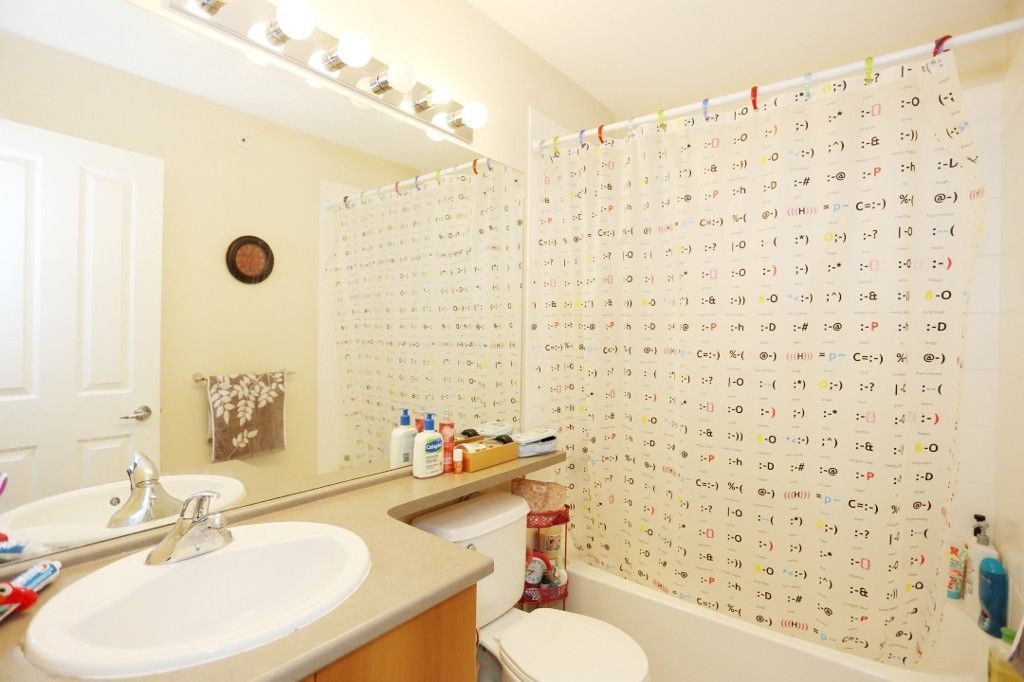 """Photo 14: Photos: 82 8089 209 Street in Langley: Willoughby Heights Townhouse for sale in """"Arborel Park"""" : MLS®# R2067787"""