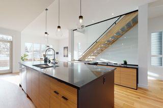 Photo 7: 7711 88 Avenue in Edmonton: Zone 18 House for sale : MLS®# E4262718