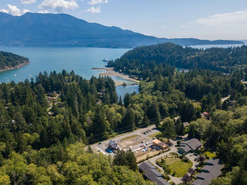 "Main Photo: LOT 10 FOXGLOVE LANE: Bowen Island Land for sale in ""Village by the Cove"" : MLS®# R2505718"
