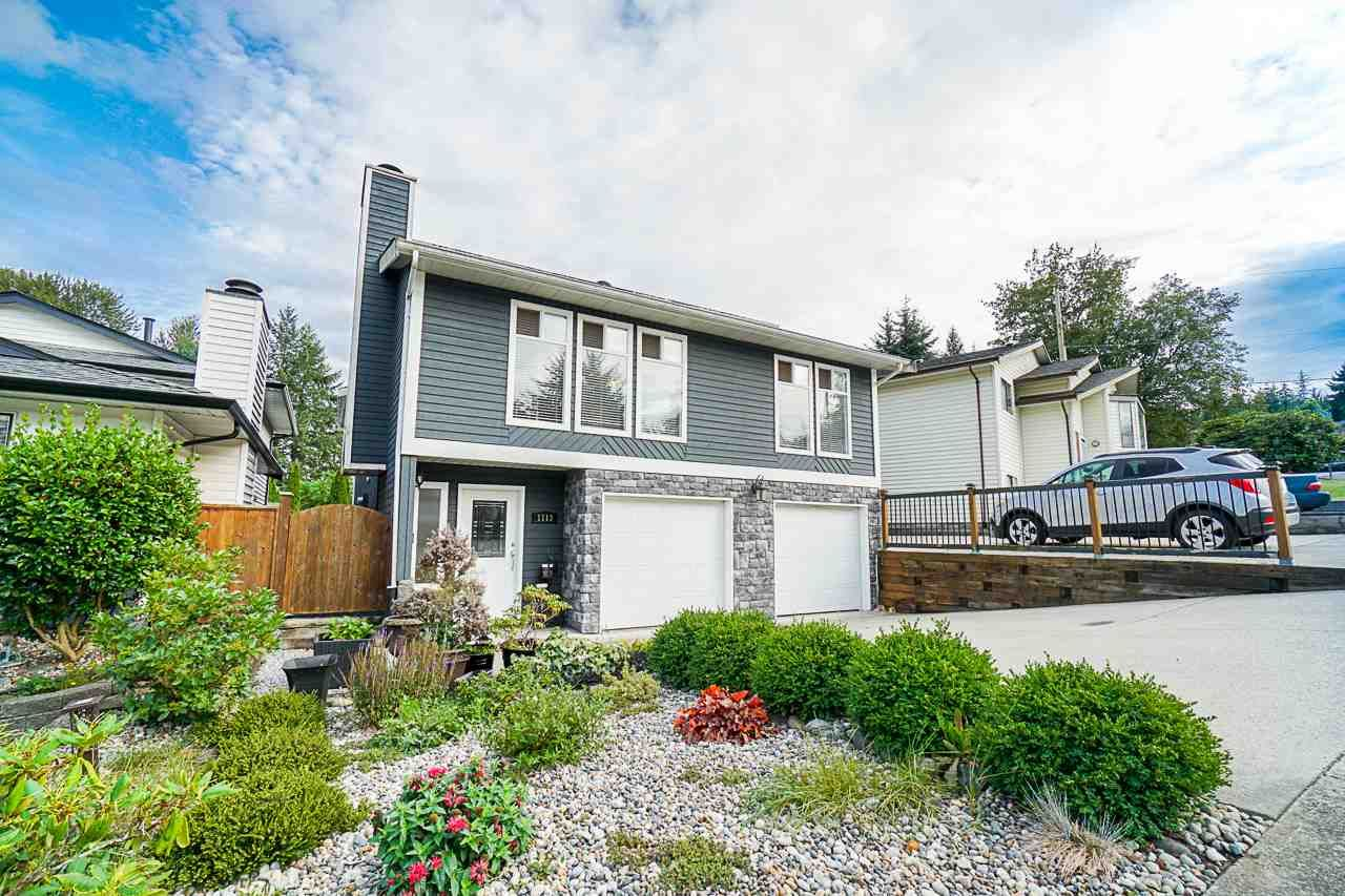 Main Photo: 1113 WALLACE Court in Coquitlam: Ranch Park House for sale : MLS®# R2403243