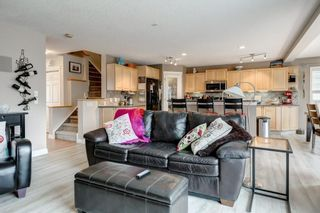 Photo 15: 143 COUGARSTONE Garden SW in Calgary: Cougar Ridge Detached for sale : MLS®# C4295738