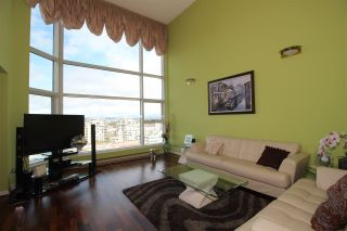 """Photo 2: 1102 8081 WESTMINSTER Highway in Richmond: Brighouse Condo for sale in """"Richmond Landmark"""" : MLS®# R2554856"""