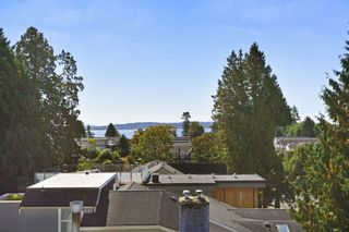 Photo 16: 952 LEE Street: White Rock House for sale (South Surrey White Rock)  : MLS®# R2351261