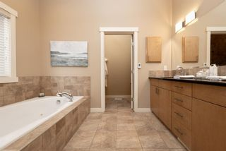 Photo 16: 32 Evergreen Row SW in Calgary: Evergreen Detached for sale : MLS®# A1062897