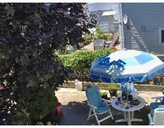 Photo 3: 2926 E 8TH Avenue in Vancouver: Renfrew VE House for sale (Vancouver East)  : MLS®# V733462