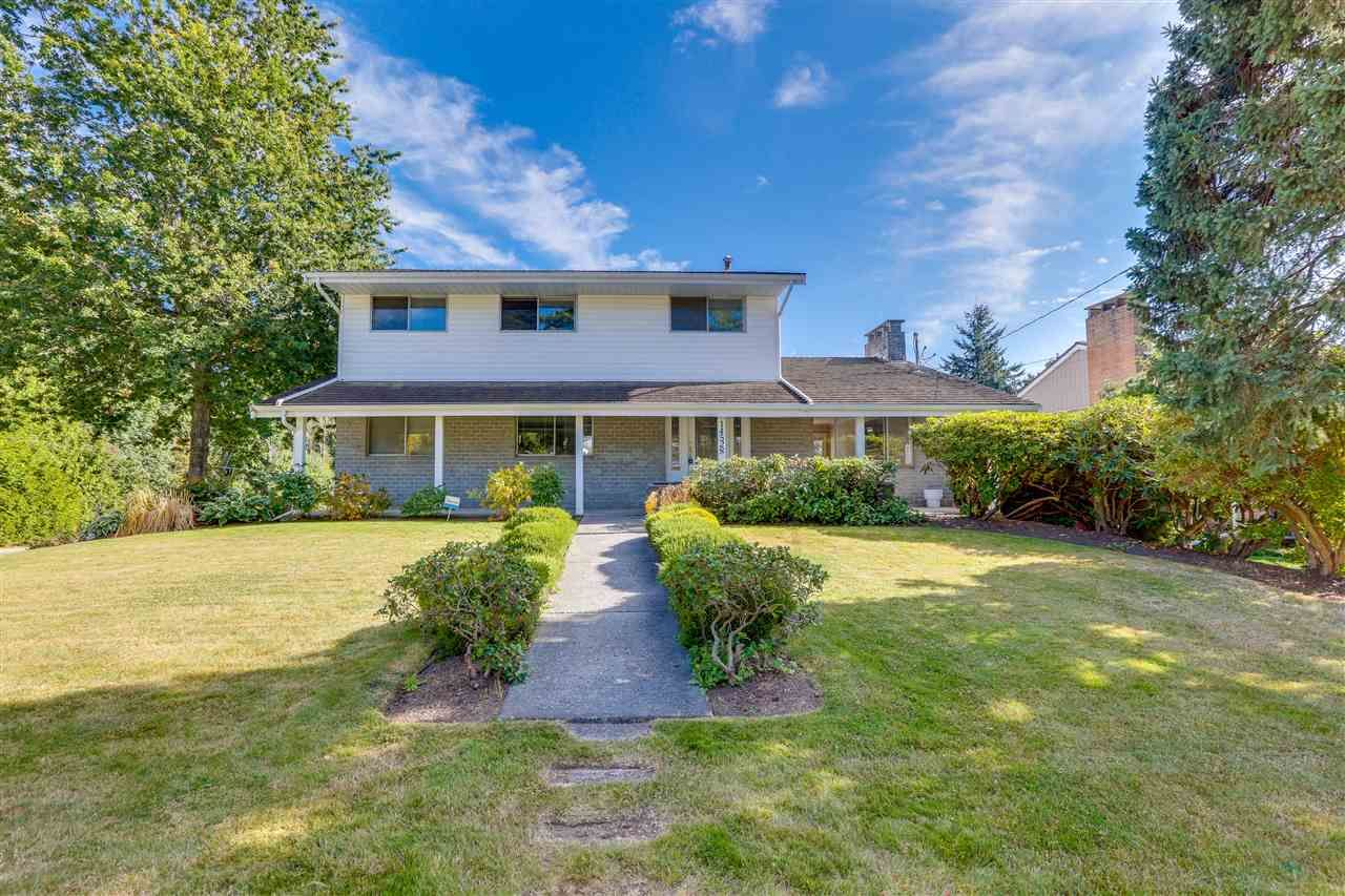 """Main Photo: 14528 SATURNA Drive: White Rock House for sale in """"Upper West White Rock"""" (South Surrey White Rock)  : MLS®# R2483571"""