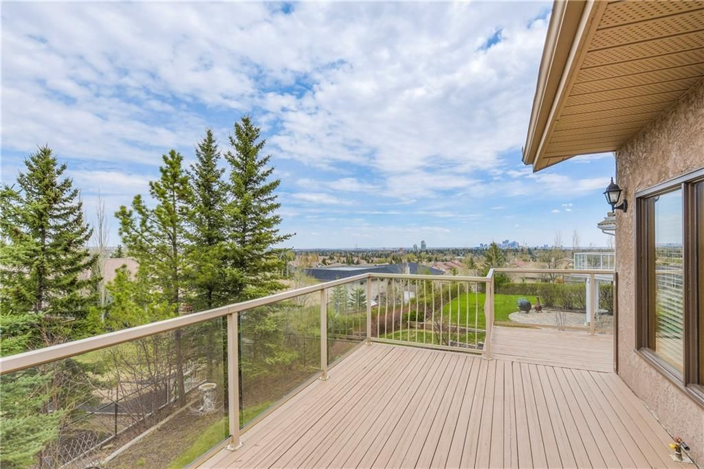 Photo 14: Photos: 2603 SIGNAL RIDGE View SW in Calgary: Signal Hill House for sale : MLS®# C4177922