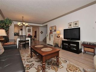 Photo 4: 7 126 Hallowell Rd in VICTORIA: VR Glentana Row/Townhouse for sale (View Royal)  : MLS®# 647851