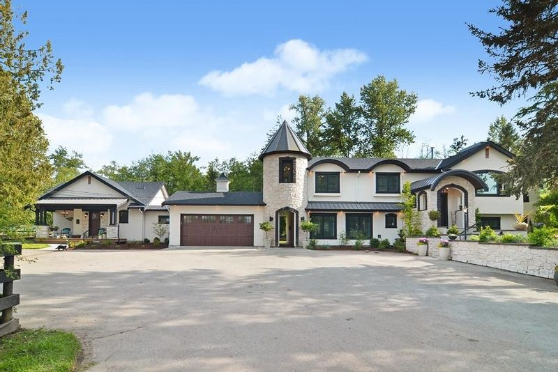 FEATURED LISTING: 21326 2 Avenue Langley