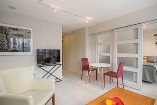 """Photo 4: 2205 930 CAMBIE Street in Vancouver: Yaletown Condo for sale in """"Pacific Place Landmark II"""" (Vancouver West)  : MLS®# R2394764"""