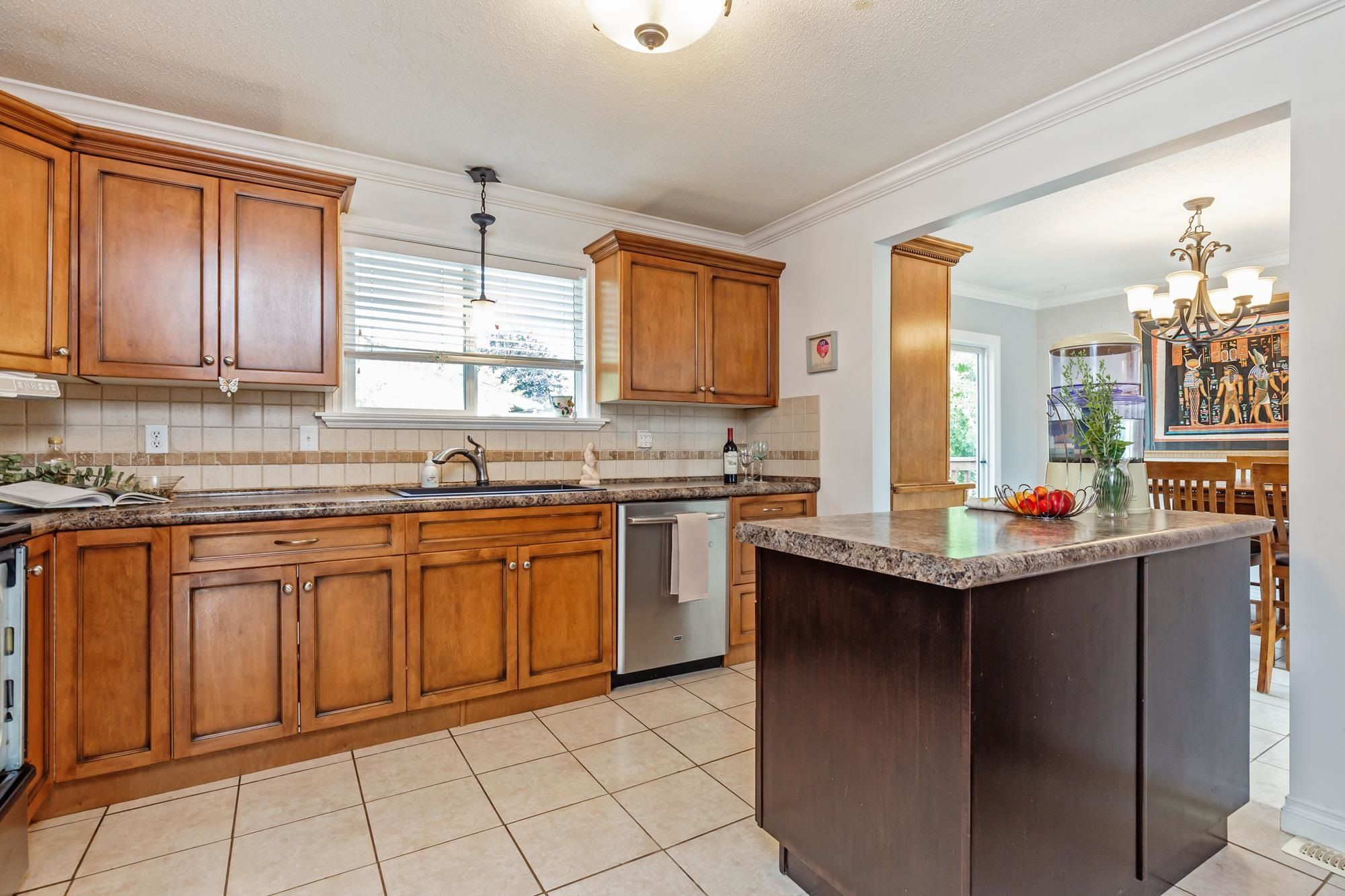 Photo 13: Photos: 32319 ATWATER Crescent in Abbotsford: Abbotsford West House for sale : MLS®# R2609136