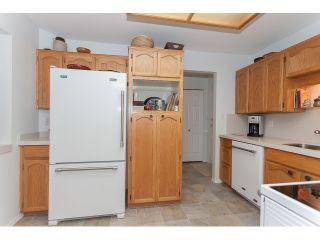 """Photo 9: 102 5375 205 Street in Langley: Langley City Condo for sale in """"GLENMONT PARK"""" : MLS®# R2053882"""