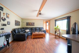 Photo 3: 31 North Drive in Portage la Prairie RM: House for sale : MLS®# 202117386