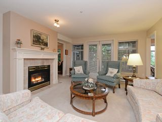 """Photo 2: 110 1140 STRATHAVEN Drive in North Vancouver: Northlands Condo for sale in """"Strathaven"""" : MLS®# R2178970"""